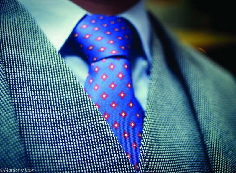 Blue_red tie