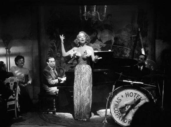 10-Marlene Dietrich