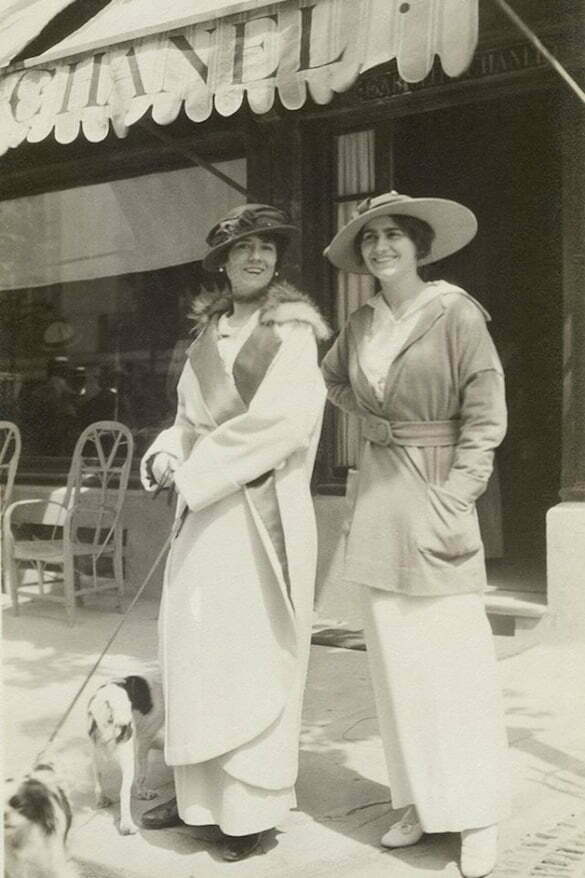 Gabrielle Chanel and aunt Adrienne, 1913