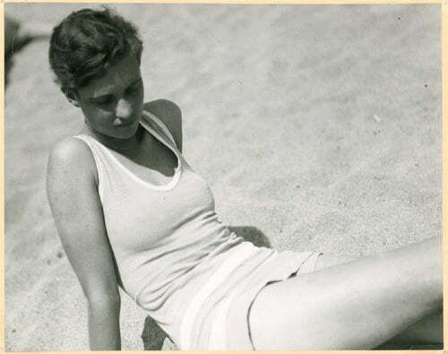 Annemarie Schwarzenbach am Strand, San Sebastian 1933