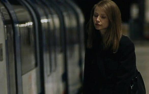 fată metrou