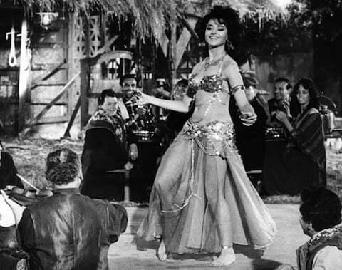 lisa-guiraut-belly-dancer-russia-love-1963