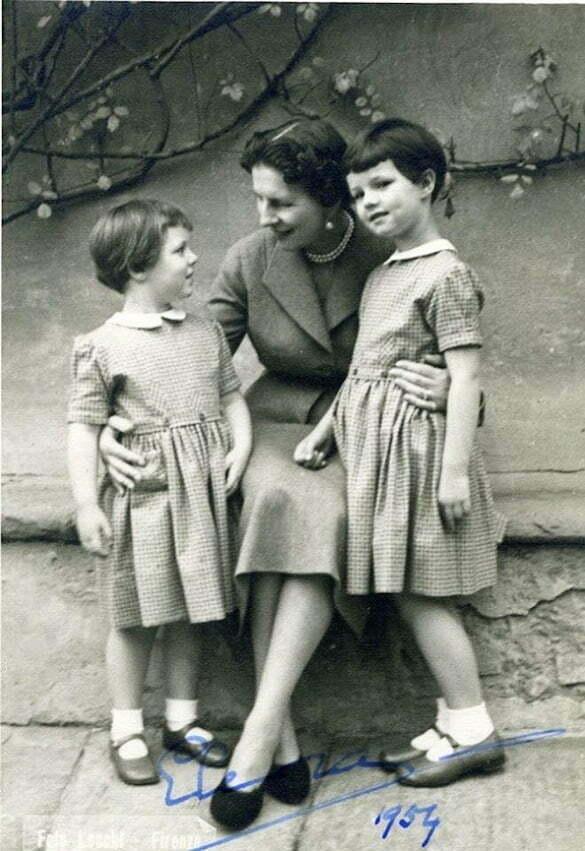 Elena Regina-mamă, prințesă de Grecia și Danemarca, cu nepoatele Margareta și Elena.
