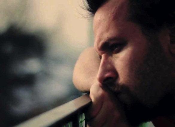 bărbat trist