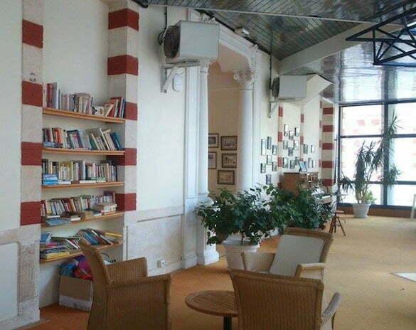 bibliotecă hotel 3