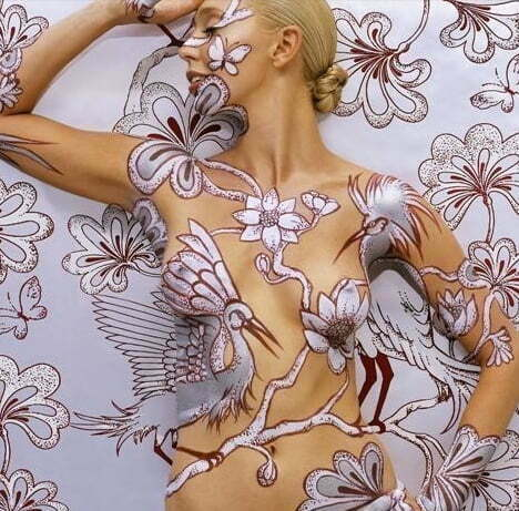 detailed-camouflage-body-art-painting