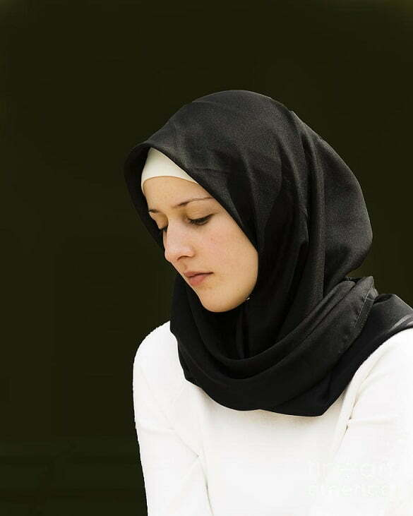young-woman-in-hijab-sheila-smart