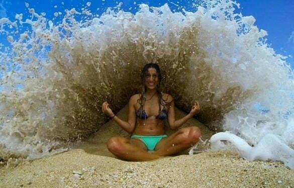 femeie in mare