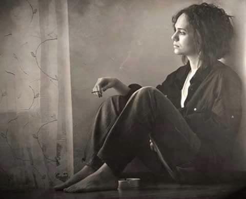 femeie tristă