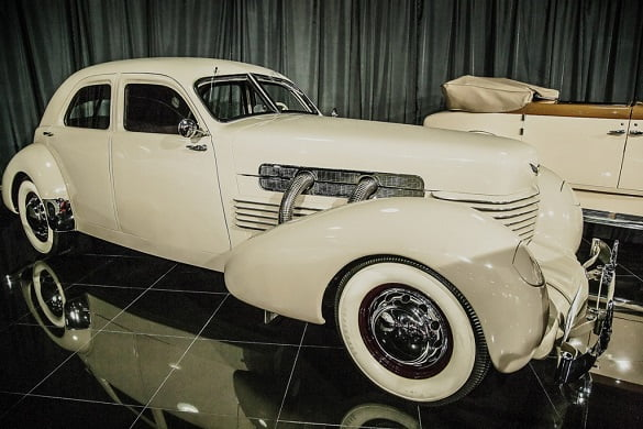 Cord-812-Custom-Beverly-1937-1024x683