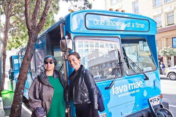 autobuz albastru