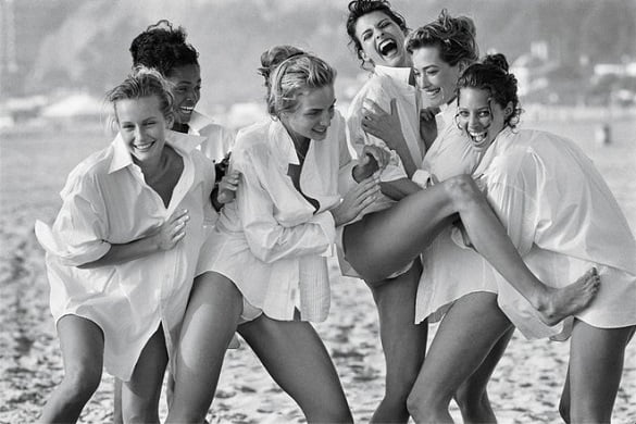 holding-peter-lindbergh-replace