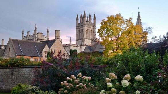 Nice image of Magdelen College in Oxford