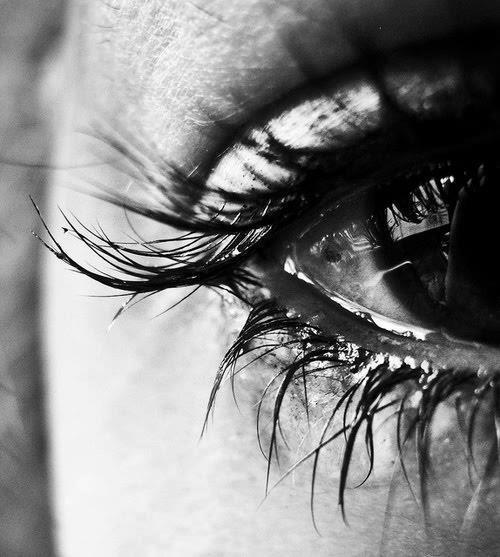 black-and-white-cry-eye-girl-Favim.com-661605[1]
