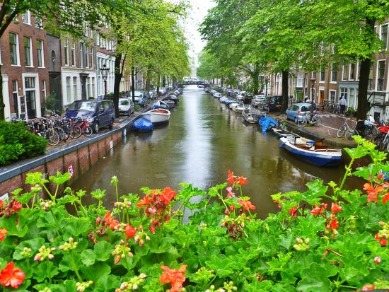 one-of-the-many-canals