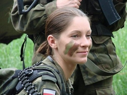 femei soldat polonia