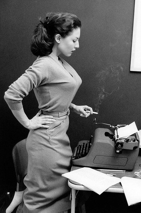 La actriz Alice Denham, 1956.