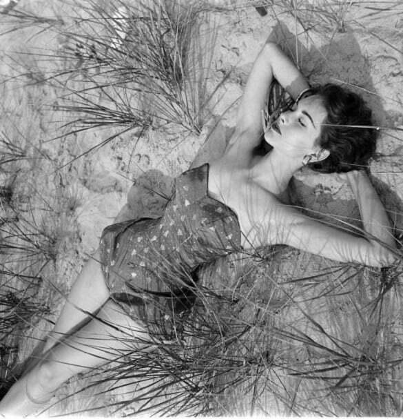 nina_leen_summer_fashion_1952