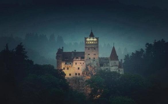 night-at-dracula-6_travel_airbnb-large