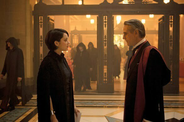 DF-06190 - Marion Cotillard as Sophia Rikkin and Jeremy Irons as Alan Rikkin in ASSASSIN'S CREED. Photo Credit: Kerry Brown.