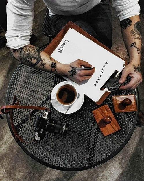 barba scris cafea