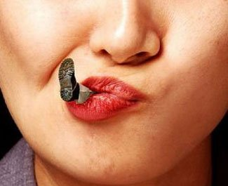 femeie barbati gura