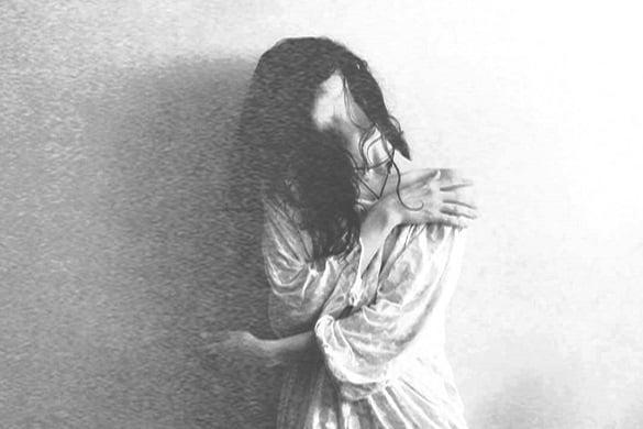 femeie durere tristete