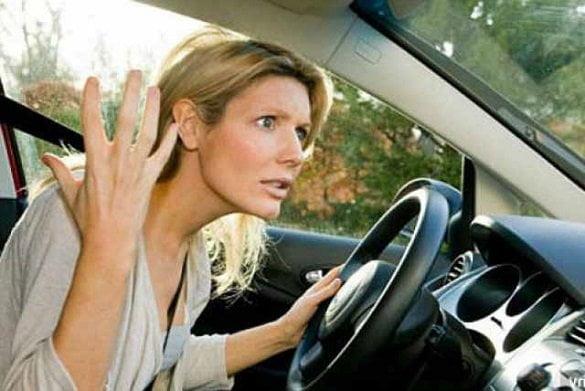 femeie masina nervi