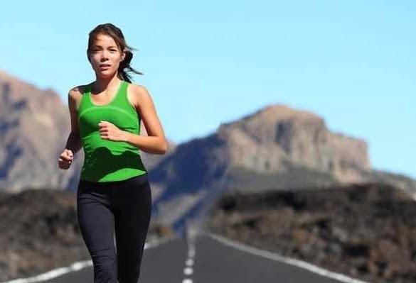 femeie alergare
