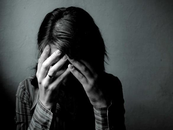 femeie tristete durere depresie