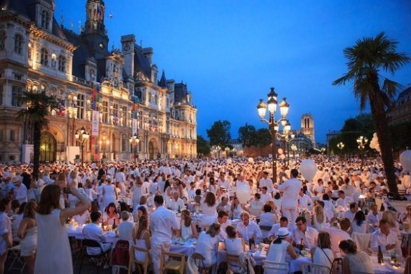 Diner-en-Blanc-2017-Paris-photo-Valerie-Lanata_HD20170608_0439_600x400