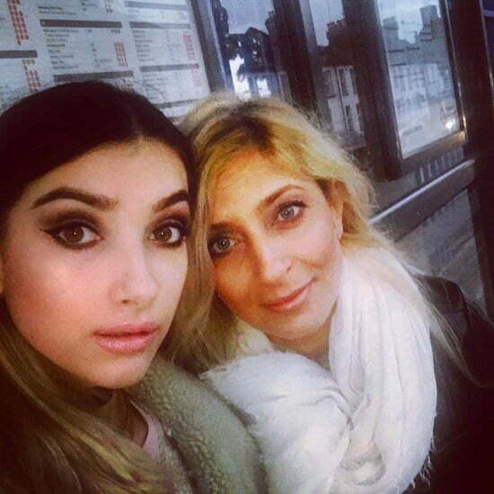 Liliana Necsulescu Eu si fiica mea,Antonia. Eu 44 de ani,iar minunea mea-22 de ani