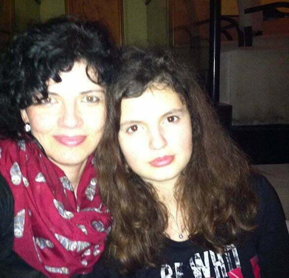 Mihaela Roșca, cu fiica. Băieții sunt mari, nu mai stau la fotografiat.