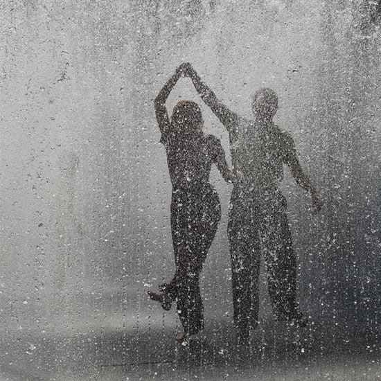 cuplu dans ploaie