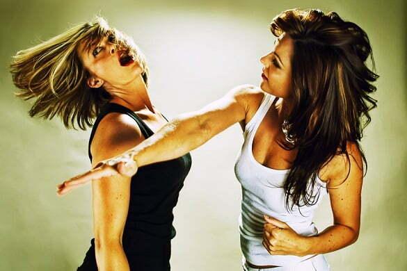 femei cearta lupta bataie