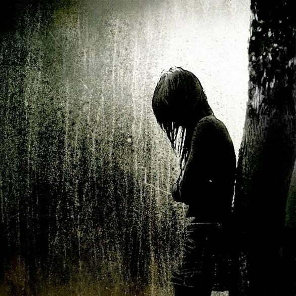 femeie ploaie