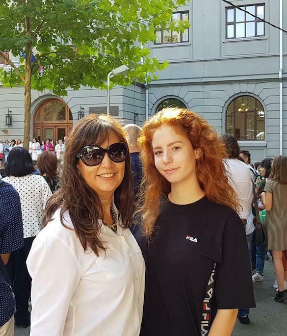 sanda almășan 55 și fiica Maria, 16 ani