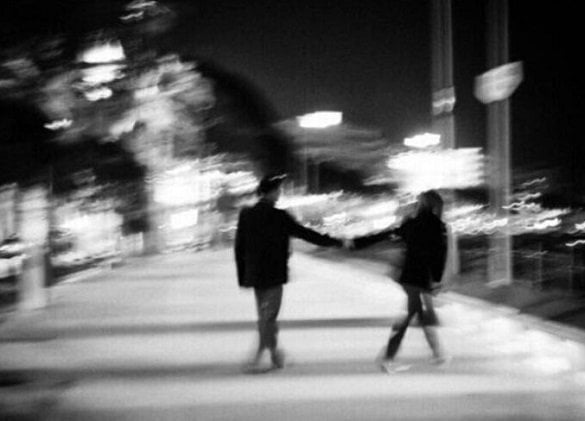 cuplu strada noapte