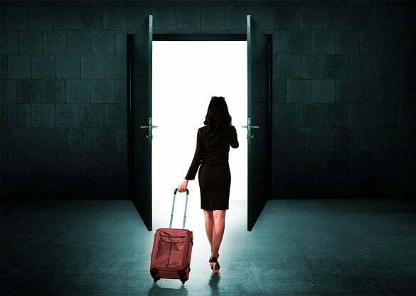femeie plecare