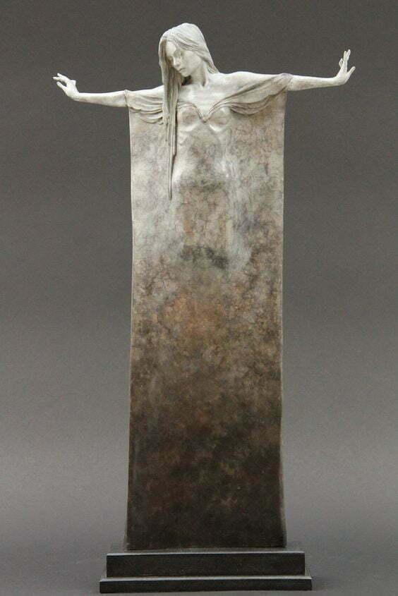 femeie statuie