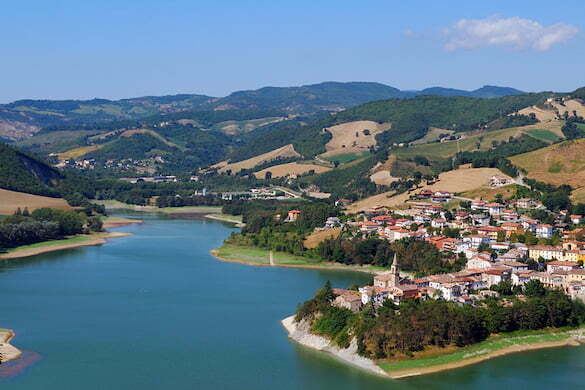 Lago sulla diga di Mercatale - Pesaro - Marche - Italy