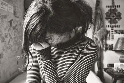 femeie plans lacrimi