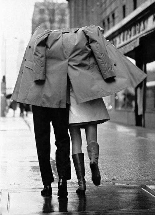 cuplu ploaie