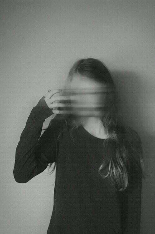 femeie frica demoni