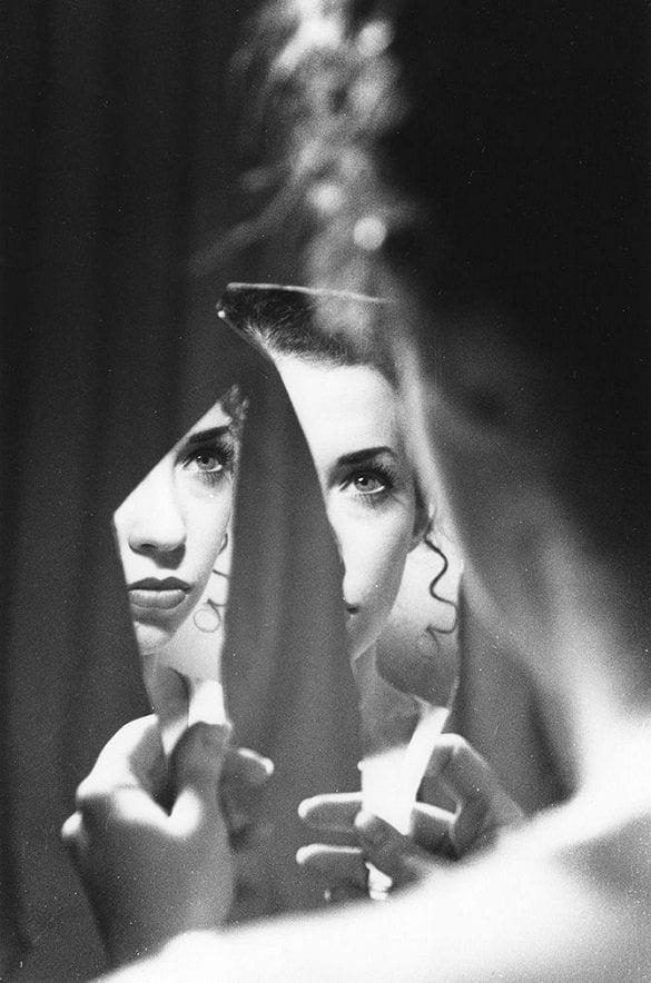 femeie oglinda sparta