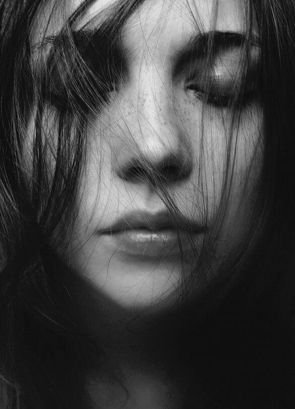 femeie portret suferinta durere iubire