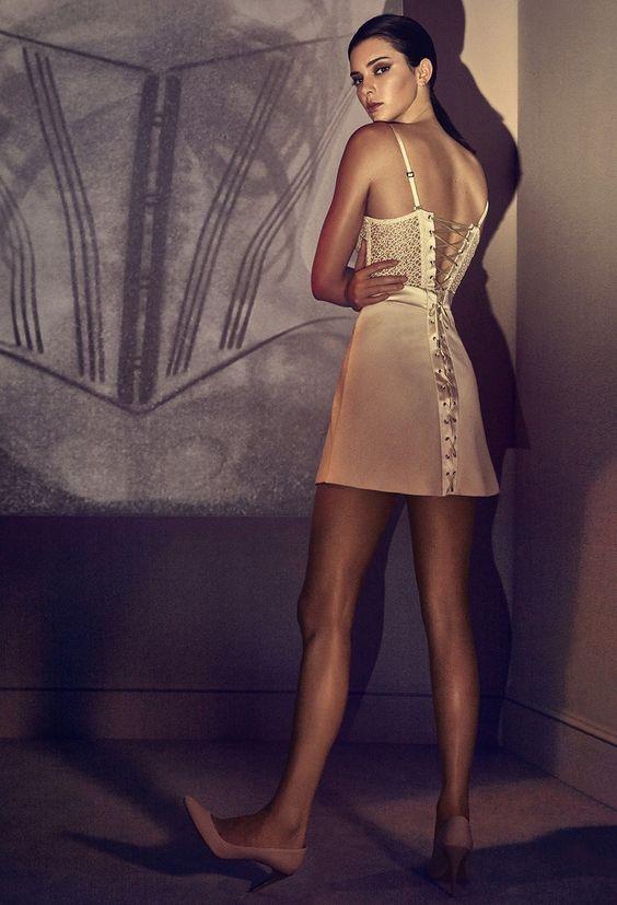 Kendall Jenner primăvară vară 2017 la perla