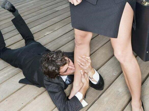 barbat cuplu iertare picioare
