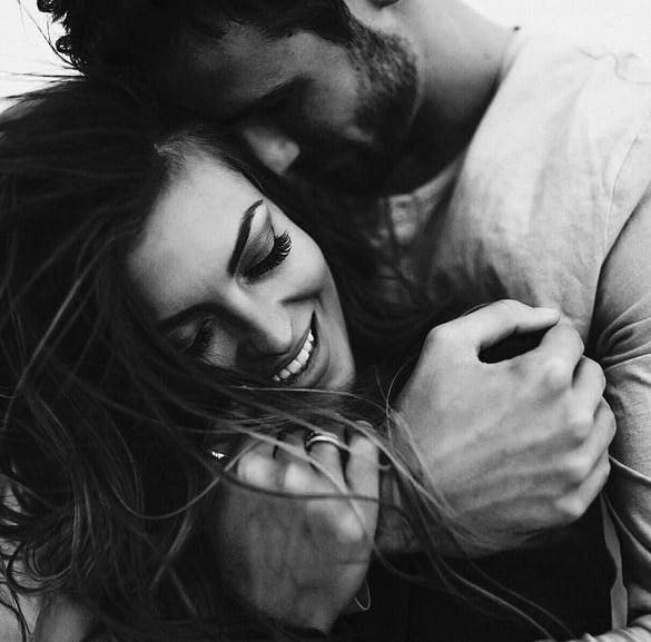 cuplu iubire imbratisare fericire