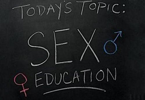 este-nevoie-de-educatie-sexuala-scoli